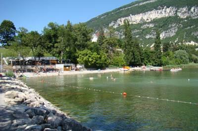 Camping saumont aix les bains lac du bourget savoie avec for Camping a aix les bains avec piscine